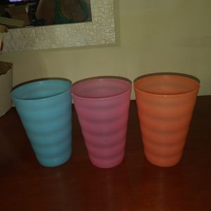 3 Impression cups - Tupperware